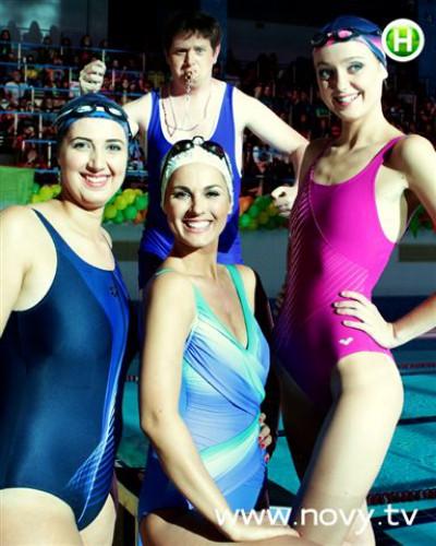Марина Ефросинина в первый раз проводила проект в купальном костюме (фото)