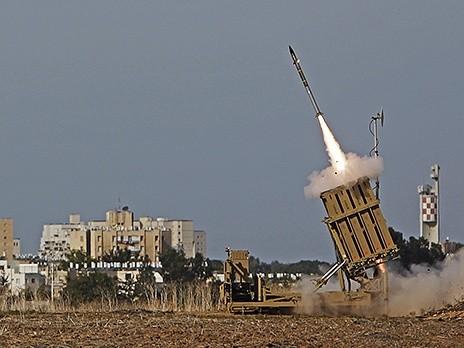 Пляжный город в Израиле обстреляли ракетами