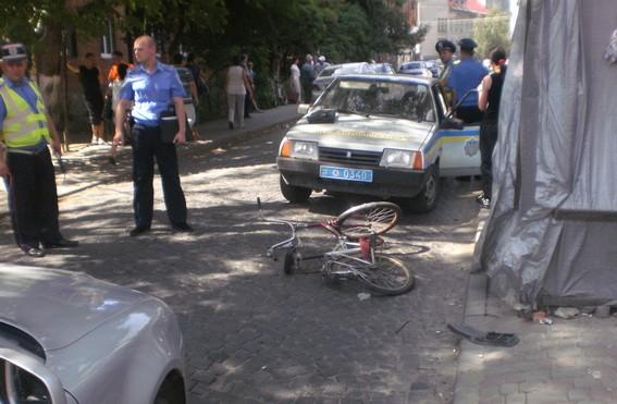 На Закарпатье экс-милицейский сшиб велосипедистку