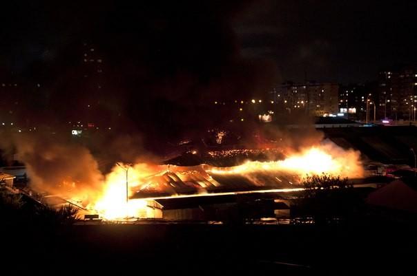 Рынок на киевской Оболони подпалили?
