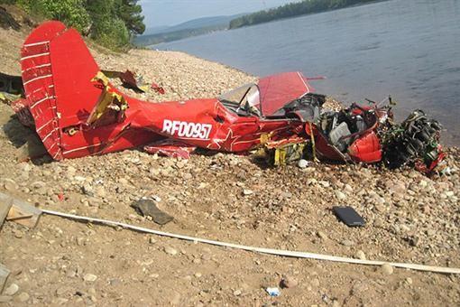 ЧП в России: во время фестиваля самолет упал на людей (ФОТО)
