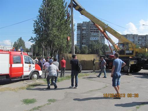 В Запорожье грузовой автомобиль преградил Бульварную