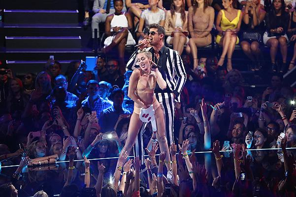 Бесславное представление Майли Сайрус на VMA