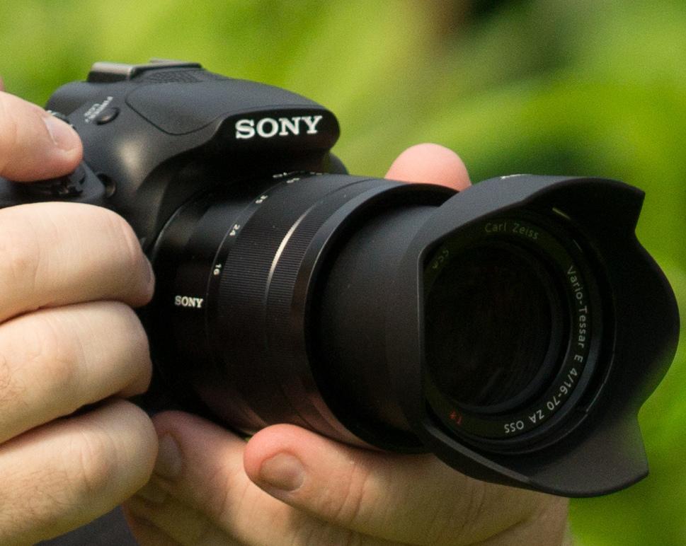 Камера Сони ILCE-3000 со вставной оптикой