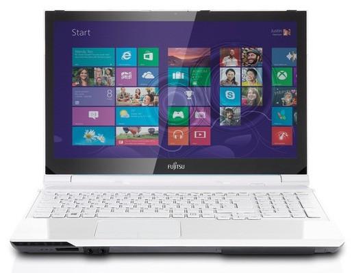 Fujitsu Lifebook AH562: компьютер с жидкокристаллическим дисплеем