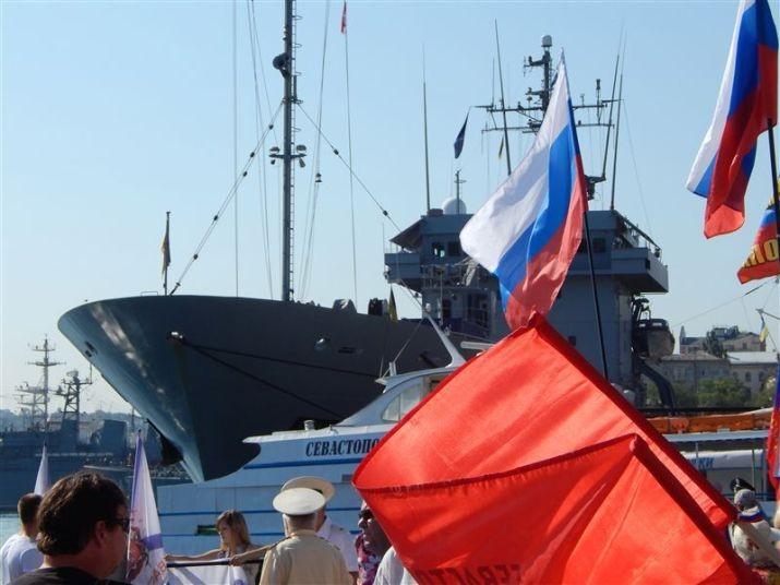 В Севастополе корабли НАТО повстречали агрессивно (ФОТО)