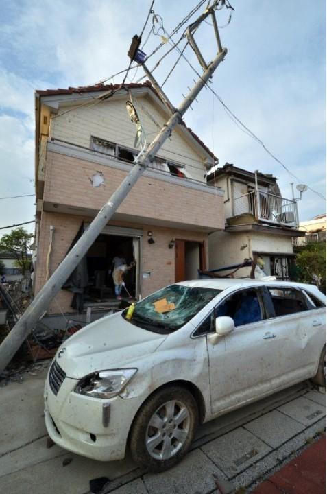 Результаты производительного торнадо в Японии (ФОТО)