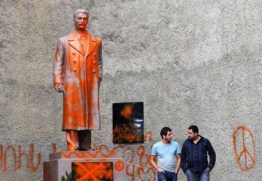 Монумент Сталину в Грузии заберут, чуть поспев установить