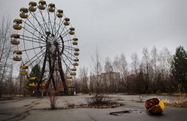 Сын Януковича организует поездки по Припяти