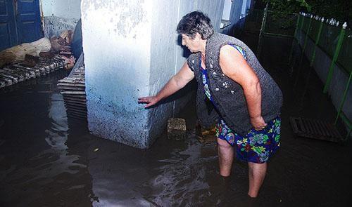 Граждане потопленных под Одессой сел улавливают рыбу напрямую у дома