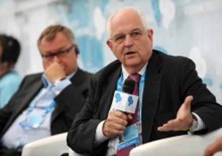 YES-2013: первый сессионный день 10-го саммита (ФОТО)
