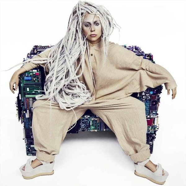 Леди Гага с дредами стала субъектом шуточек (ФОТО)