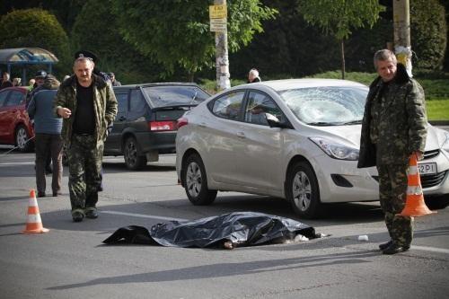 В Киеве автолюбитель насмерть сшиб девушку на проходе