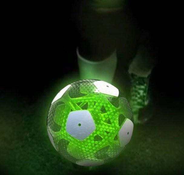 В Мексике спроектировали футбольный мячик грядущего (ФОТО)