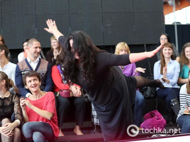 Писанка продемонстрировала касатку на демонстрации шоу «Вышка» (ФОТО)