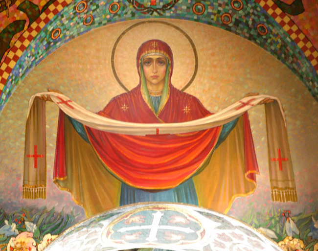 Православные сегодня выделяют Покров Пресвятой Богородицы