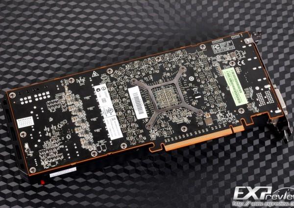 Вентилятор и интегральная схема адаптера HIS Radeon R9 290X