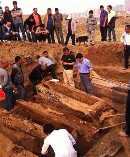 В КНР обнаружили гроб с неувядающим 300-летним телом