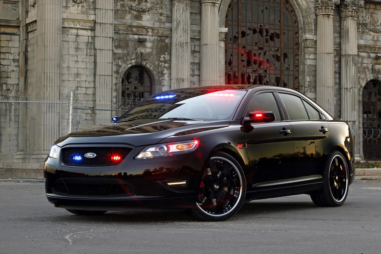 Быстрейшие автомашины спецслужб представили сотрудники полиции США
