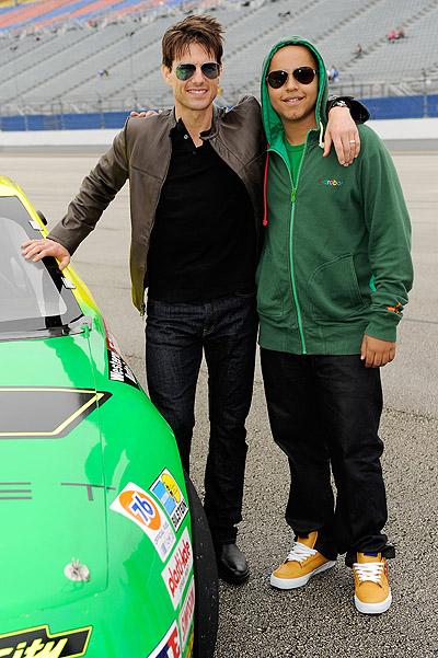 Том Круз сближал сына на футбол (ФОТО)