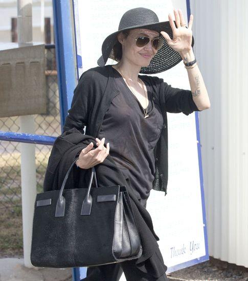 Анджелина Джоли показала свежую роскошную грудь (ФОТО)