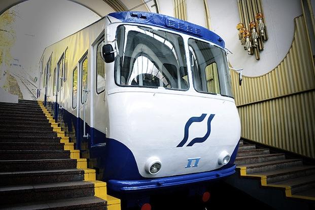 Фуникулер в Киеве получил новое лицо (ФОТО)