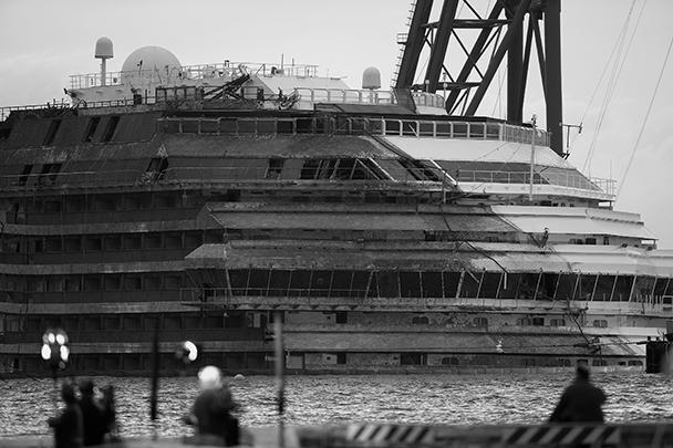 Командир Costa Concordia был с любовницей перед крушением
