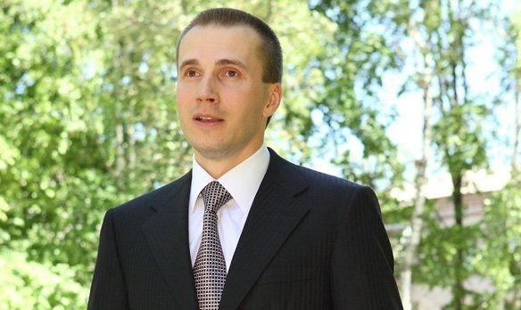 Младший сын Януковича за 6 месяцев увеличивал собственное положение