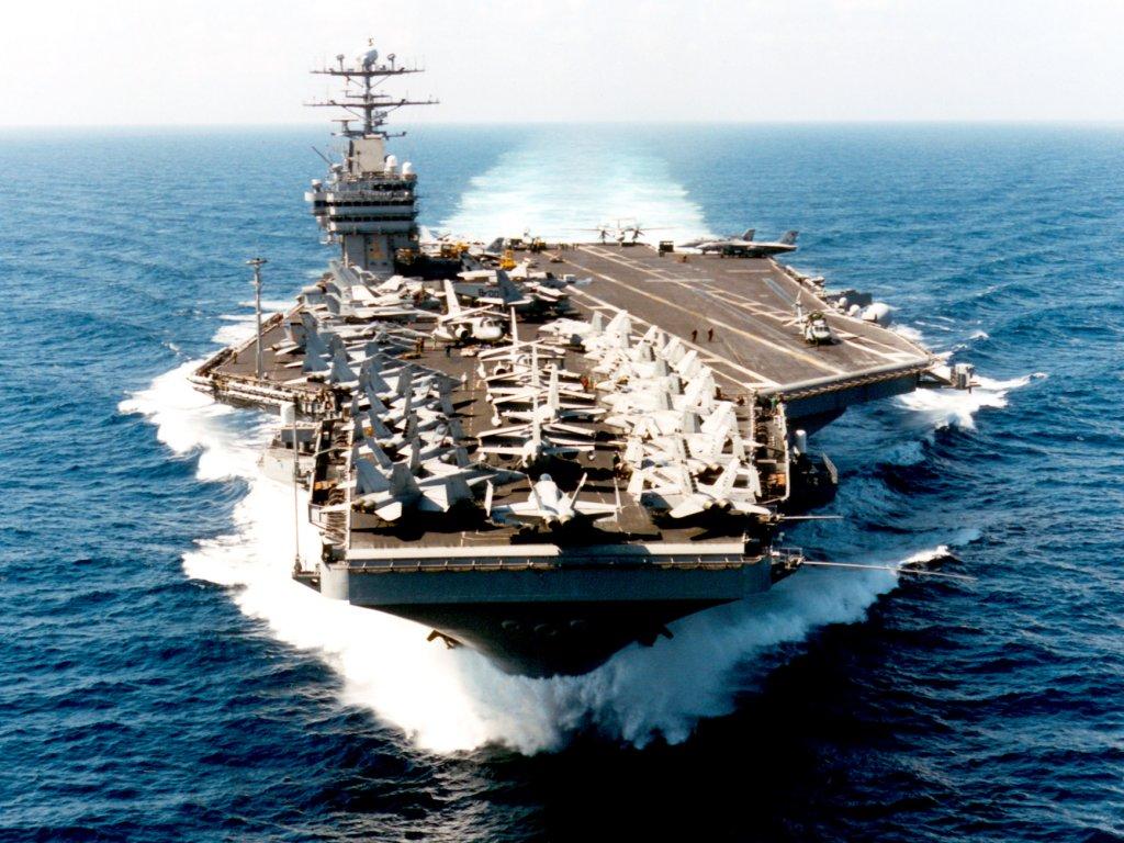 США и Британия направили Филиппинам свои военные корабли