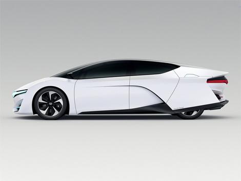 Представлен прототип водородной «Хонды» (ФОТО)