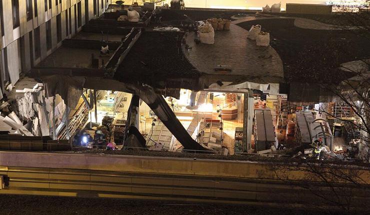 В Риге обрушилась крыша магазина Максима, есть жертвы (ФОТО)