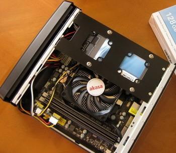Малогабаритный низкопрофильный CPU-кулер Akasa AK-CC1101EP02