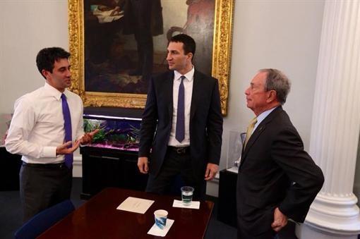 Владимир Кличко выпил чая с градоначальником Нью-Йорка (ФОТО)