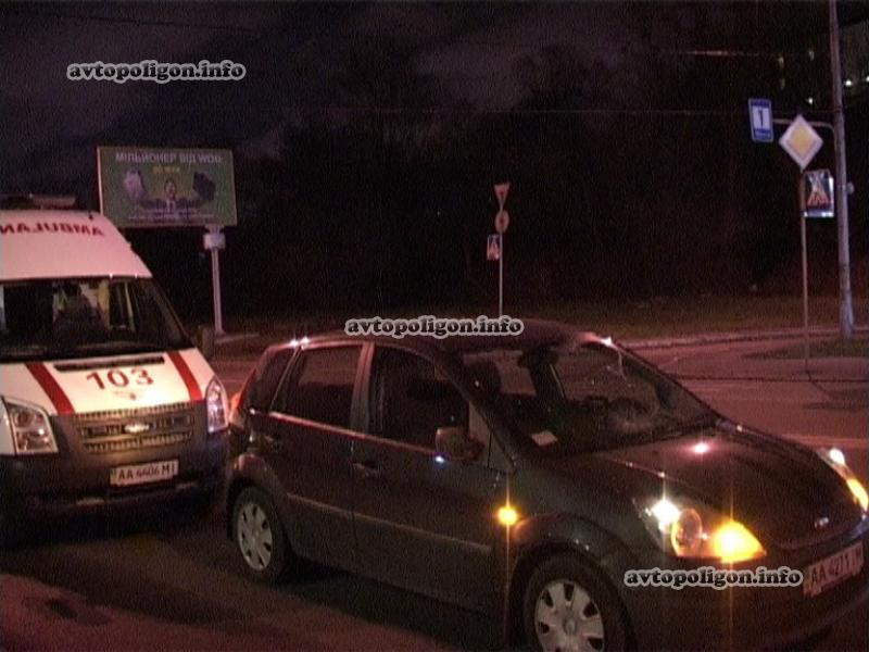В столице Форд разрушил на «зебре» двоих милиционеров