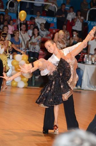 Танцоры - победители предназначаются в церкви пономарями (ФОТО)