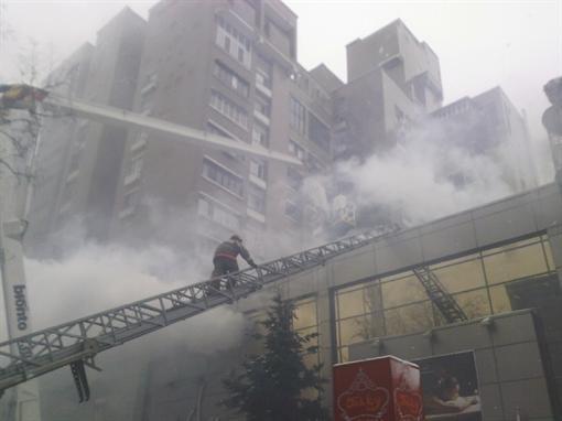 В центре Киева пылает SPA-салон