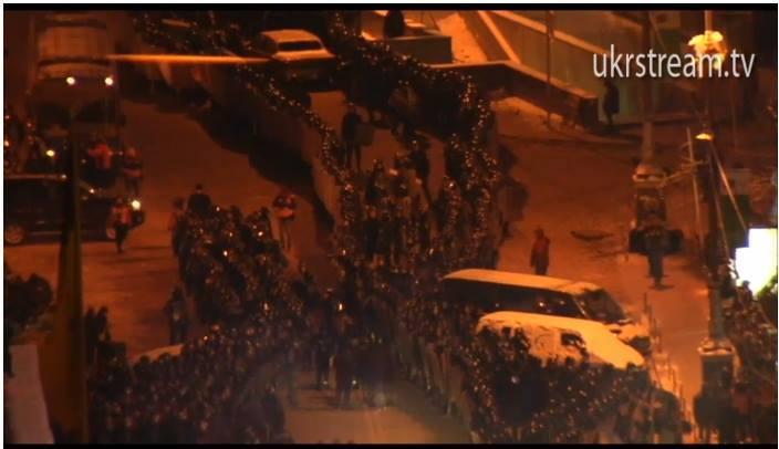 В ночь с функционерами содержали защиту и руководители оппозиции