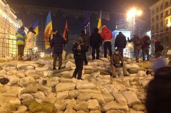 Ночью на понедельник в Киеве митинговало не менее 5 млн. человек