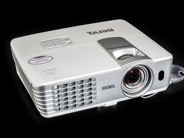 Тёплый фонарный любитель повышенной чёткости: BenQ W1080ST