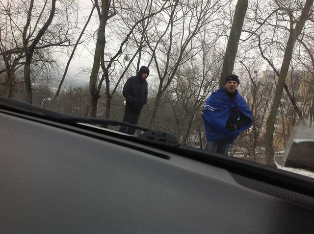 Приверженцы антимайдана утром едва стоят на ногах (ВИДЕО)