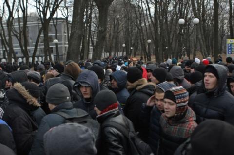 """На """"Антимайдане"""" в два раза больше человек, чем на Майдане"""