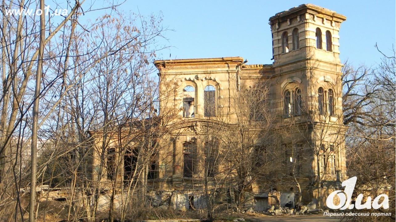 Округи Аркадии преобразуются в развалины (ФОТО)
