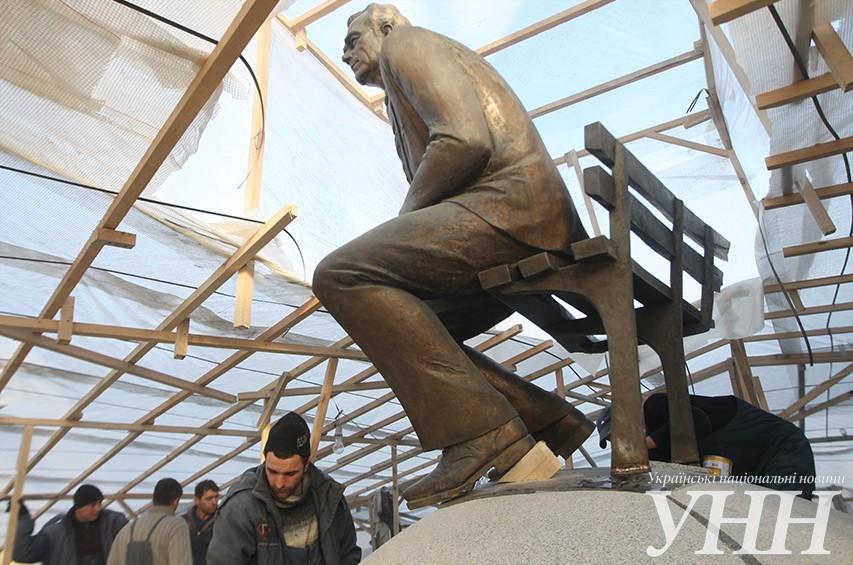 Монумент Лобановскому вынесли на свежее место