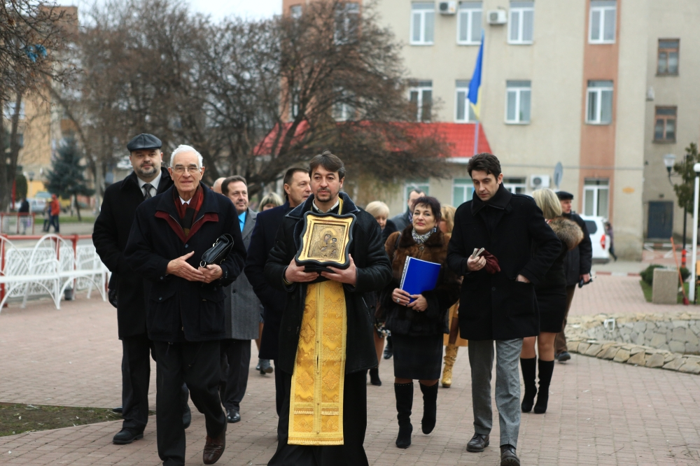 Украине возвратили эксклюзивную икону, отвезенную в процессе битвы