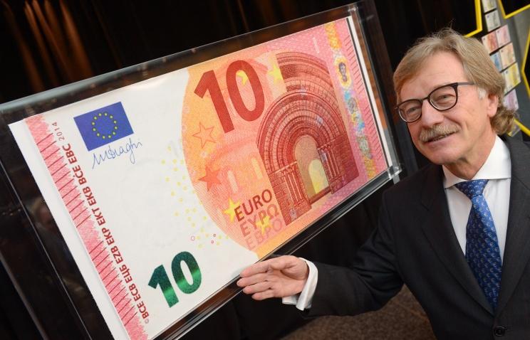 ЕЦБ показал свежую банкноту преимуществом в 10 euro