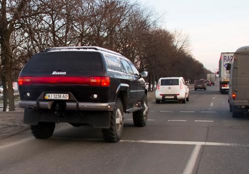 В Киеве замечен кроссовер Bizon габаритом с КамАЗ (ФОТО)