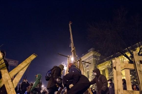 3 вида развязки противоборств в центре Киева