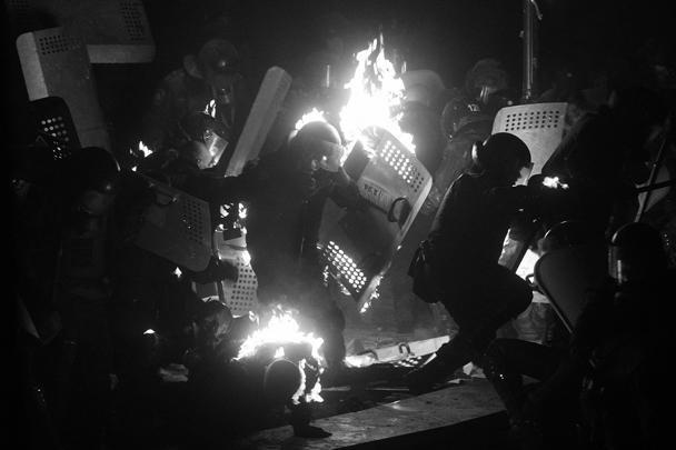 Батюшки старались остановить столкновения в центре Киева