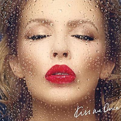 """Кайли Миноуг продемонстрировала обложку нового альбома """"Kiss Me Once"""""""