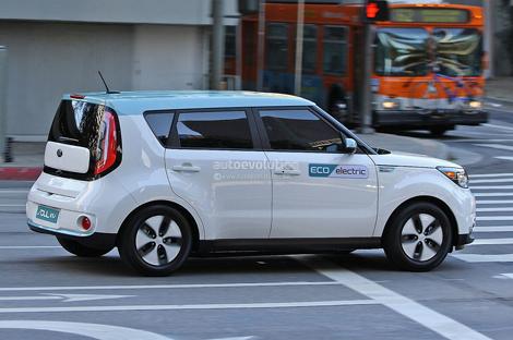 Показаны первые фото электромобиля Киа Соул